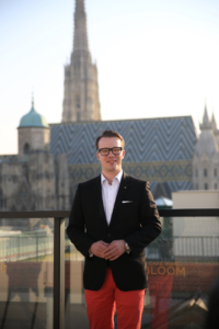 Berthold Baurek-Karlic vor dem Stephansdom. © Fabian Greiler