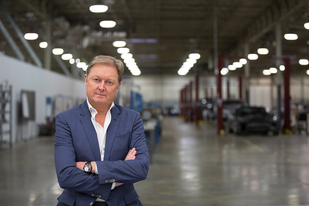 E-Car-Pionier Henrik Fisker joins motec ventures